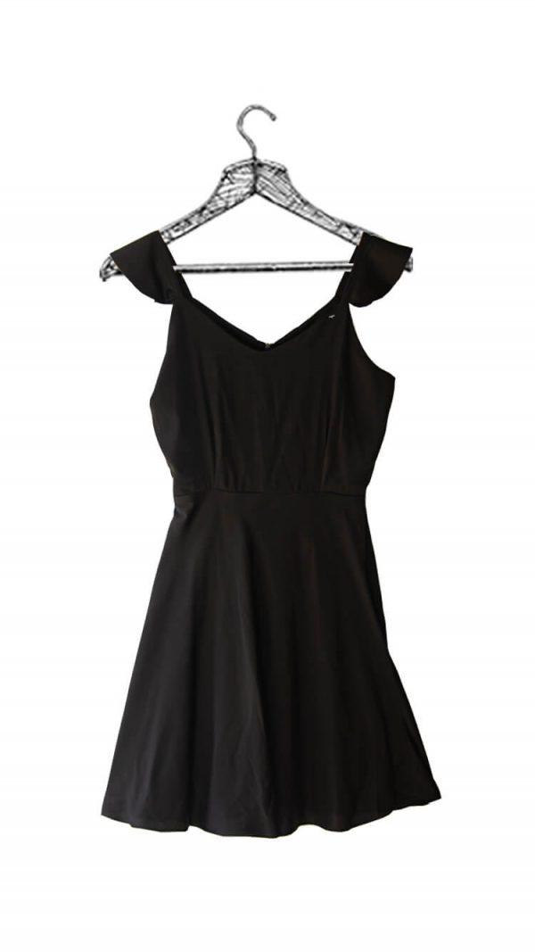 Vestido negro escote en v de tiras con volantes