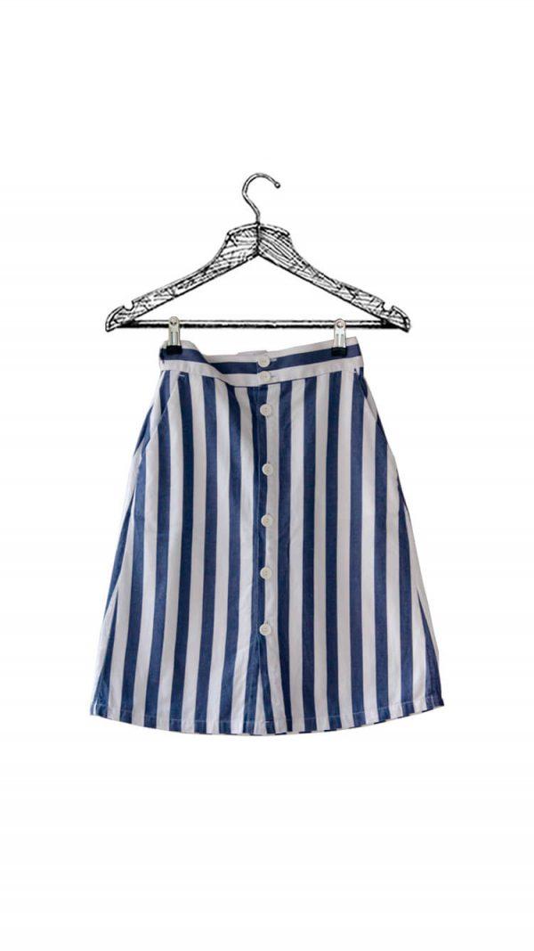 Falda de líneas blancas y azules con botones marca Seven Seven