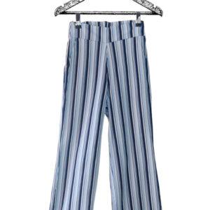 Pantalón bota recta con rayas negras, azules y blancas marca Lucy Montaguth