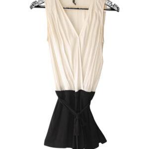 enterizo short negro con blanco escote en v marca naf naf