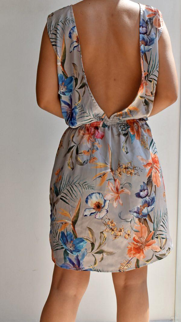Vestido corto gris estampado floral Anana con escote en la espalda linas closet 33
